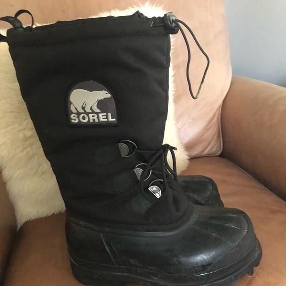 Sorel snow boots size 8